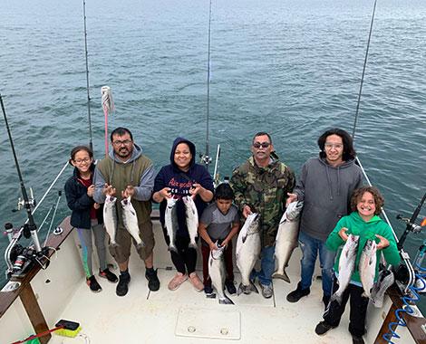 kids-catching-fish